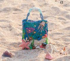 The Underwater Kingdom Handbag - Finalist of Bead Dreams 2015 Beaded Purses, Beaded Bags, Beaded Jewelry, Jewellery, Swarovski, Unique Purses, Sea Theme, Thread Work, Bead Art