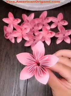Click below to GET MORE rose paper flowers diy paper stars paper cactus diy large paper flowers Paper Flower Patterns, Paper Flowers Craft, Large Paper Flowers, Paper Flowers Wedding, Paper Flower Tutorial, Flower Crafts, Diy Flowers, Paper Crafts, Flower From Paper