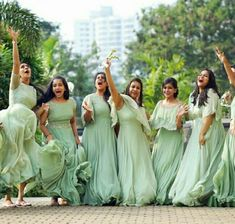 Indian Wedding Bridesmaids, Indian Bridesmaid Dresses, Bridesmaid Saree, Bridesmaid Outfit, Saree Wedding, Bridal Dresses, Christian Bride, Kerala Engagement Dress
