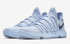 Official images of the Nike KD 10 Anniversary that releases on May 26, 2017 for $150.