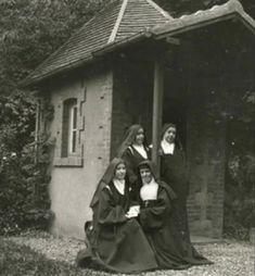 Sainte Therese De Lisieux, Ste Therese, Roman Church, Catholic Saints, Santa Clara, Sacred Art, Vintage Photography, Marie, Prayers