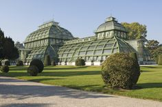 The Schönbrunn Palm House is the last and largest of its kind in Europe and one of the most popular attractions in the Palace Park. Palmiers, Architecture Old, Metal Roof, Botany, Touring, Travel Inspiration, To Go, Images, Colors