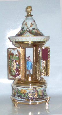 Capodimonte music box-carousel with ballerina