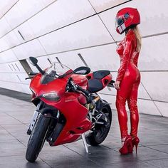 Woman in Ducati red… #ducatiobsession . via @ducaticanada . . #ducati1199 #whitepanigale #hot #Ducati899 #panigale #1199 #1299 #superlaggera #termignoni #akrapovic #ducatiperformance #hotbodies...