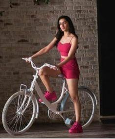 💕Follow me Shivani Bhavsar💕 Shraddha Kapoor Bikini, Shraddha Kapoor Cute, Prettiest Actresses, Beautiful Actresses, Bollywood Celebrities, Bollywood Actress, Stylish Dresses, Trendy Outfits, Sraddha Kapoor