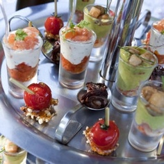 Verrine of Sainte-Maure-de-Touraine PDO smoked salmon and cucumber- Snacks Für Party, Appetizers For Party, Brunch Recipes, Appetizer Recipes, Brunch Food, Gula, Food Stations, Xmas Food, Appetisers