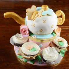 The Cake Artists - Tea Party Cake with Cupcakes