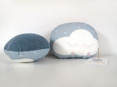 "Home and Decoration. Small cuddle cushion ""cloud"". The ava&yves cushions are produced by ""proWerk Bethel"", an organisation for handicapped people. Size of the cushion: ca. 25x21x10cm. Material: front: 100% cotton, back: 60% polypropylen, 30% wool, 10% viscose. Filling:  100% polyester Oekotex100, handwash recommended.  20,00 € incl. VAT plus shipping."