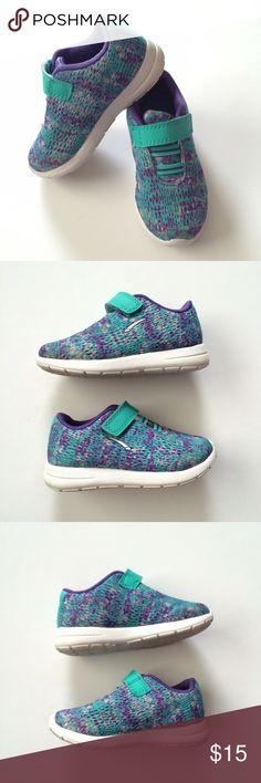 Tennis shoes LA Gear (famous footwear) tennis shoes with memory foam! So cute and comfy! EUC! Shoes