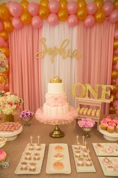 First birthday girl party ideas princess ideas Pink Princess Party, Princess Birthday Party Decorations, Princess Theme Birthday, Pink And Gold Birthday Party, Birthday Party Centerpieces, Girl First Birthday, Birthday Party Themes, Princess Sophia, Birthday Ideas