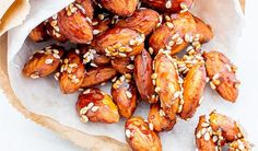 Maple Sesame Almonds Vegan Quinoa Recipes, Almond Recipes, Vegan Snacks, Healthy Low Carb Snacks, Gluten Free Snacks, Gluten Free Recipes, Raw Almonds, Vegetarian Lunch, Meals For The Week