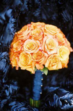 My favorite kinda flowers. Blue Beach Wedding, Fall Wedding, Our Wedding, Dream Wedding, Wedding Ideas, Wedding Planning, Wedding Inspiration, Brides And Bridesmaids, Bridesmaid Bouquet