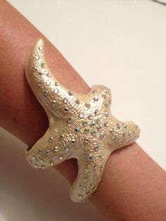 Polymer Clay Champagne Starfish Cuff Bracelet with Rhinestones. Looks Awesome! I want to make one that looks like coral too.
