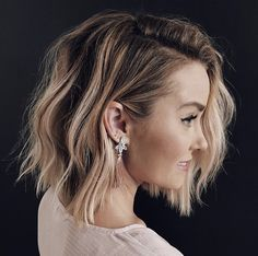 In this post you may find our best ideas of textured balayage long bob hairstyles to make your looks cute and sexy. See here we have collected some of the amazing styles long bob looks. Long Bob Haircuts, Long Bob Hairstyles, Textured Bob Hairstyles, Modern Bob Haircut, Hairstyles Pictures, Fancy Hairstyles, Bride Hairstyles, Headband Hairstyles, Vintage Hairstyles