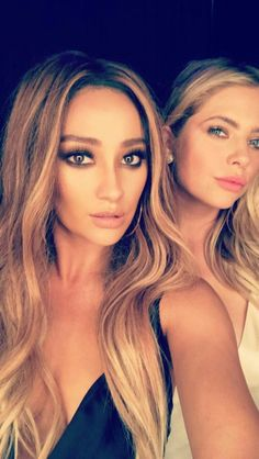 source for Ashley Benson News Pretty Little Liars Characters, Pretty Litle Liars, Shay Mitchell Hair, Pll Cast, Sasha Pieterse, Ashley Benson, Photo Instagram, Hair Makeup, Actresses