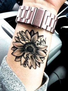 Mom Tattoos, Body Art Tattoos, Hand Tattoos, Sleeve Tattoos, Tatoos, Kid Name Tattoos, Tattoo Quotes, Tattoo Fonts, Floral Tattoos