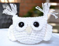 White crochet owl sachet