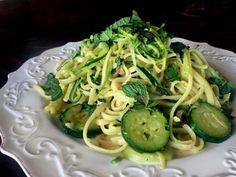 Ep. #9 – Easy 5-Ingredient Fresh Mint & Zucchini Pasta (Vegan or Vegetarian)