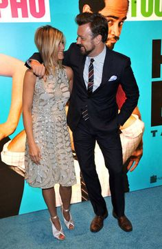 Jen and her Horrible Bosses costar Jason Sudeikis were chummy on the red carpet in 2011.