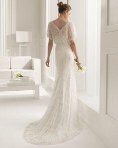 Испанский бренд Rosa Clará представил свою новую коллекцию свадебных платьев. В ней переплелись мода и роскошь, романтика и элегантность, женственность и сексуальность, классические силуэты и голливудский гламур