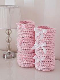 T-shirt yarn cotton yarn spaghetti yarn bag Crochet Storage, Crochet Box, Cute Crochet, Crochet For Kids, Knit Basket, Crochet Baskets, Yarn Bag, Ribbon Yarn, T Shirt Yarn