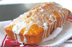 Wholesome Carrot Bread with Cream Cheese Glaze Recipe - Kraft Recipes Just Desserts, Delicious Desserts, Dessert Recipes, Yummy Food, Yummy Appetizers, Breakfast Recipes, Carrot Bread Recipe, Bread Recipes, Carrot Cake