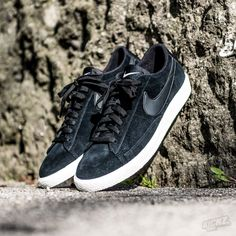 Retro never dies. The Nike Blazer low in suede is a prime example of a classic sneaker silhouette.  @ kickz.com