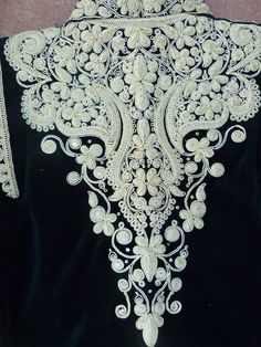 Tambour Beading, Tambour Embroidery, Couture Embroidery, Gold Embroidery, Hand Embroidery Designs, Embroidery Dress, Embroidery Patterns, Machine Embroidery, Sewing Patterns