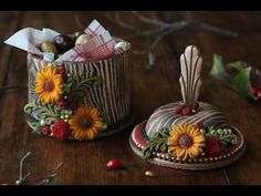 #NEW VIDEO ALERT: How to Make 3-D Woodland Cookie Boxes by Julia M Usher of Recipes for a Sweet Life