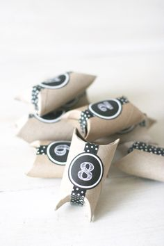 Chanukah Craft: Countdown Pillow Boxes | Chai & Home