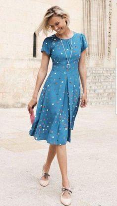 Guia completo do Vestido Midi! Cute Dresses, Beautiful Dresses, Casual Dresses, Fashion Dresses, Summer Dresses, Chic Outfits, Dress Patterns, Dress Skirt, Designer Dresses
