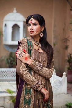 Collection mariage signée Aisha Imran (Fashion made in Pakistan). Asian Bride.