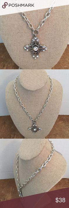 Necklace Brighton execelente condition ❤️ Necklace Brighton execelente condition ❤️ Brighton Jewelry Necklaces