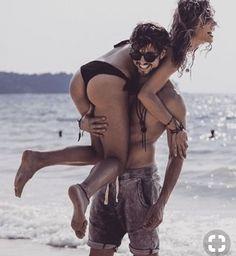Pin by lourissa setu on cute couple beach pictures, couple beach, relations Beach Love Couple, Couple Beach Pictures, Photo Couple, Perfect Couple, Relationship Goals Funny, Couple Goals Relationships, Photos Couple Plage, Plage Couples, Photos Bff