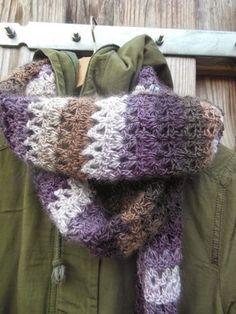 Nu de koudere dagen er weer aan staan te komen wordt het weer tijd voor sjaals. En zoals jullie wel weten kan je daar natuurlijk noo...