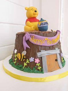 Winnie the pooh Birthday Cake | Polkadots (Olga) | Flickr