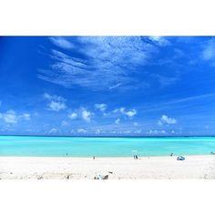 yama_ok5 on Instagram pinned by myThings 与論島の大金久海岸 去年行った時は海が荒れて 百合が浜行けずじまい☔︎ 写真ではめっちゃきれいなのにね 今年は5/3-5にリベンジ‼︎ 今のところ天気予報は曇り☁︎ 果たして今回は晴れて 百合が浜行けるのか⁈ お願いだから晴れておくれー‼︎☀︎ ☺︎ #与論島 #百合が浜