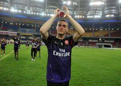 #Arsenal Training at Bukit Jalil Stadium - #Vermaelen
