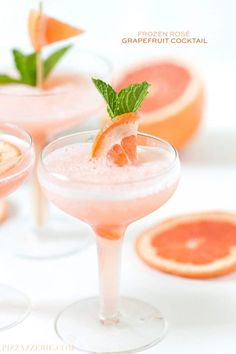 Frozen Rosé Grapefruit Cocktail {Grapefruit Frosé} - Pizzazzerie She stated this is Always a hit at her parties! A refreshing summer cocktail, try this Frozen Rosé with a Grapefruit twist! Tonic Cocktails, Refreshing Cocktails, Summer Cocktails, Cocktail Drinks, Cocktail Recipes, Drink Recipes, Cocktail Ideas, Cocktail Club, Sangria Recipes