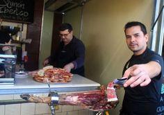 Jamón Iberico - gezouten, aan de lucht gedroogde ham van het zwarte Iberische varken.
