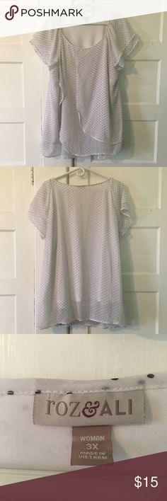 Roz & Ali Polka Dot Blouse EUC. No signs of wear! Worn only once, as it's too big now. Roz & Ali Tops Blouses