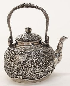 Japanese sterling silver teapot, by Konoike,14.63 troy : Lot 2558