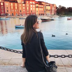 Experience La Dolce Vita (the sweet life) at Loews Portofino Bay Hotel at Universal Orlando Resort. The beauty, charm and romance of this luxurious escape will make you swear you're actually in the seaside town of Portofino, Italy it's inspired by. (Cred: @ janelaparaorlando)