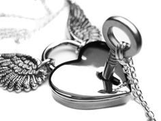 Angel+Wing+Necklace+Set.+Winged+Heart+Lock+by+PriscillasJewelry,+$59.00. CA
