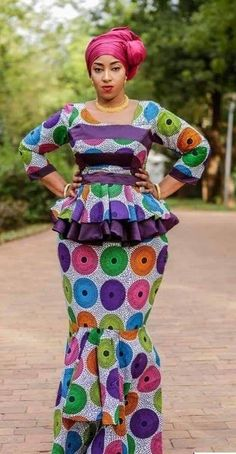 Latest Ankara Skirt And Blouse 25 newest and stunning Ankara skirt and blouse styles to try out Ankara Long Gown Styles, African Dresses For Women, African Print Dresses, African Attire, African Wear, Casual Dresses For Women, African Fashion Ankara, Latest African Fashion Dresses, Seshoeshoe Dresses