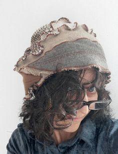 Guarda questo articolo nel mio negozio Etsy https://www.etsy.com/it/listing/543562544/cappello-lanacappello-bohoupcycled