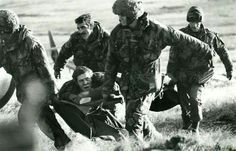 Casualty evacuation, Mount Longdon, Falklands crisis 1982, pin by Paolo Marzioli