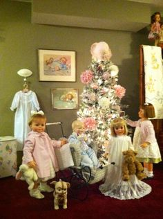 My doll room getting ready for Christmas!!! ~ via Tammy