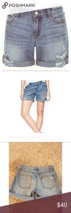 "Gap 1969 Sexy Boyfriend Short ⭐️NEVER BEEN WORN⭐️100% Cotton. ""Destroyed"" style. Cuffed hem. Low rise. PERFECT SUMMER SHORT. Cute and sexy. Never been worn! GAP Shorts Jean Shorts"