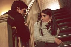 """Jason Behr and Shiri Appleby portray the characters of Max Evans and Liz Parker respectively in the tv show """"Roswell""""......."""